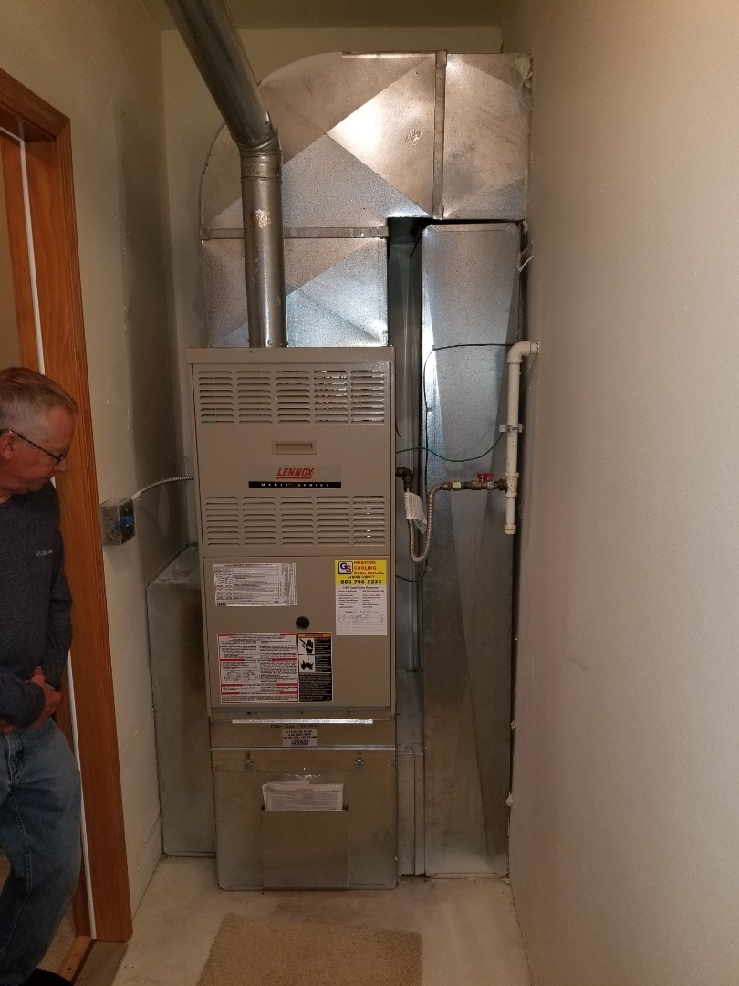 Shoreline, WA - Providing an estimate to install a Carrier heat pump in Snohomish.