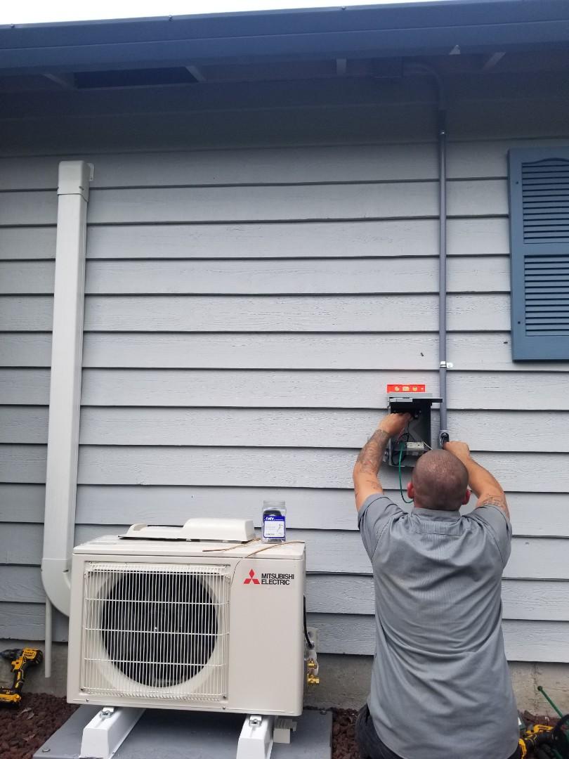 Everett, WA - Electrical install new heat pump system