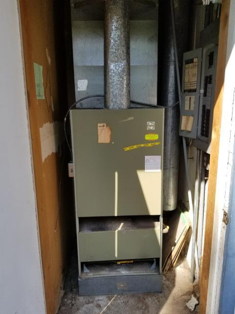 Shoreline, WA - Replacing gas furnace in Shoreline with new Carrier furnace.