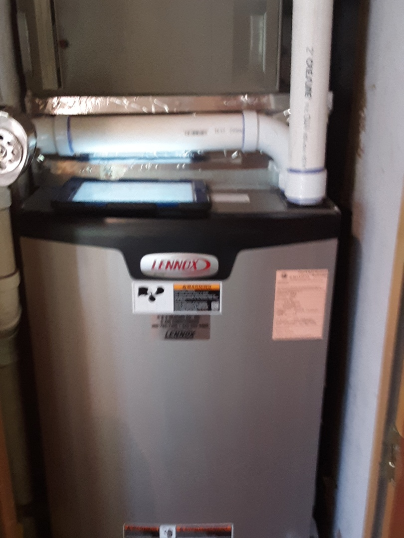 Lynnwood, WA - Planned maintenance on a Lennox gas furnace in Brier