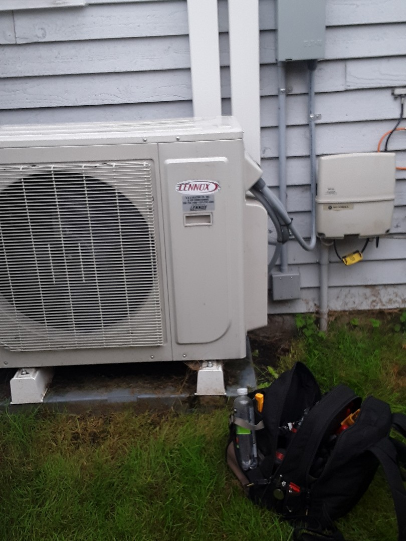 Brier, WA - Planned maintenance on a Lennox ductless heat pump in Lynnwood