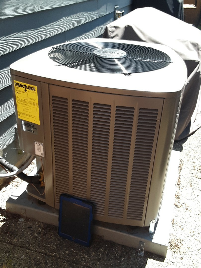 Brier, WA - Planned maintenance on a Lennox heat pump in Bothell
