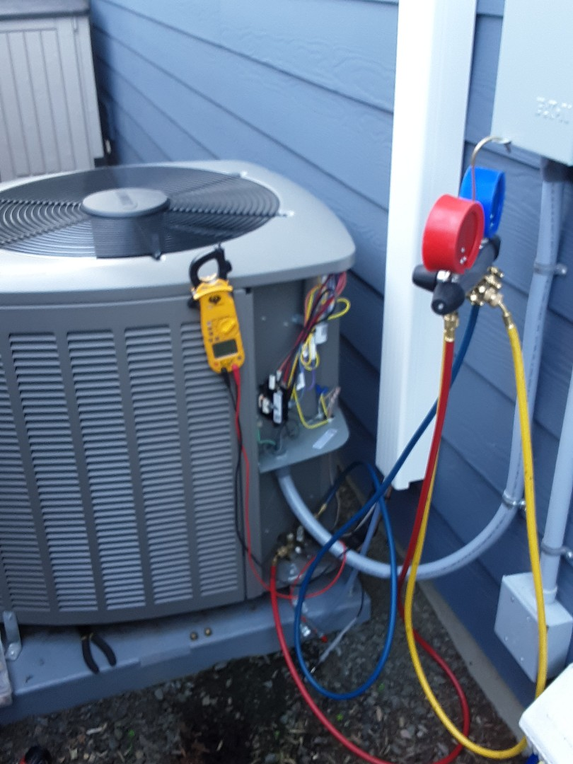 Bothell, WA - Planned maintenance on a Lennox AC in Mill Creek