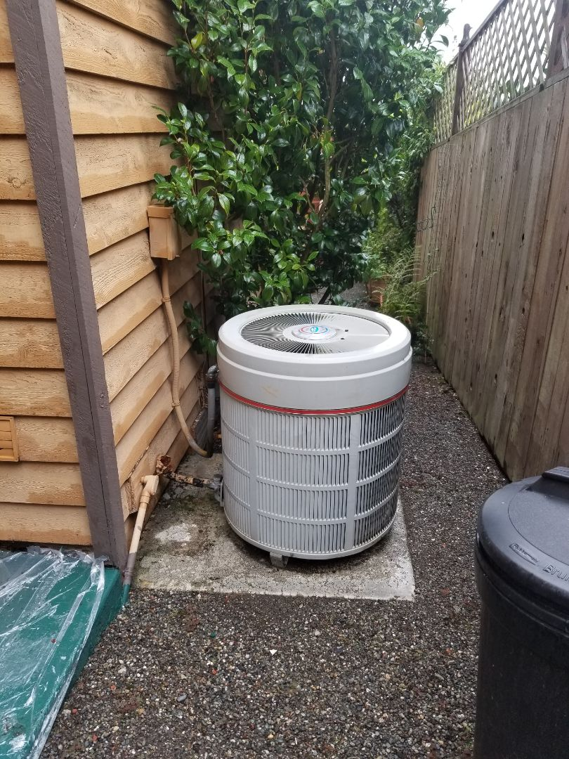 Tulalip, WA - Providing an estimate to install a Carrier heat pump in Tulalip.