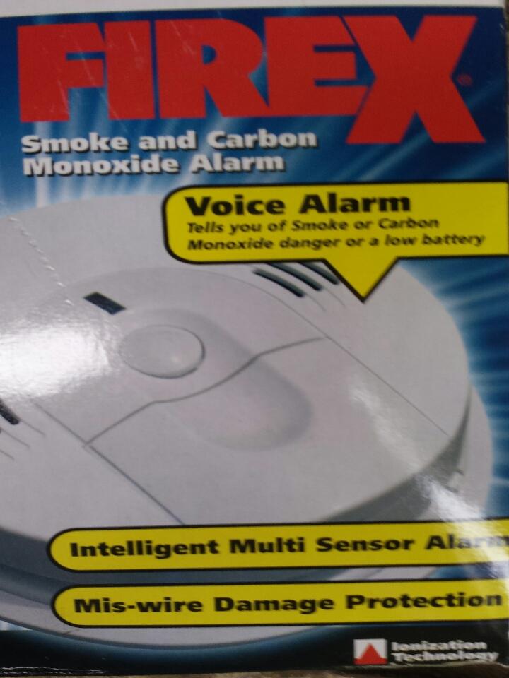 Monroe, WA - electrician. replacing old recalled smoke detectors with kidde carbon monoxide and smoke combination detectors