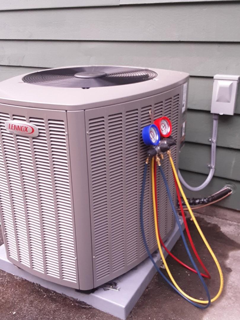 Edmonds, WA - Planned maintenance on a Lennox heat pump in Edmonds