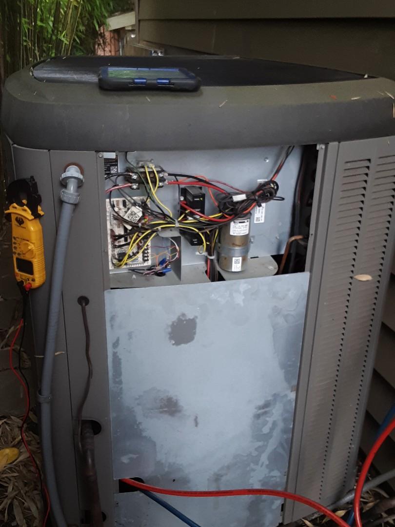Everett, WA - Tune up on a Lennox gas furnace and heat pump in Everett