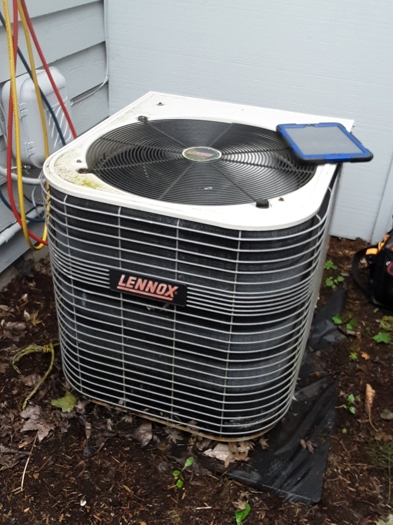 Lake Stevens, WA - Planned maintenance on a Lennox heat pump in Bothell