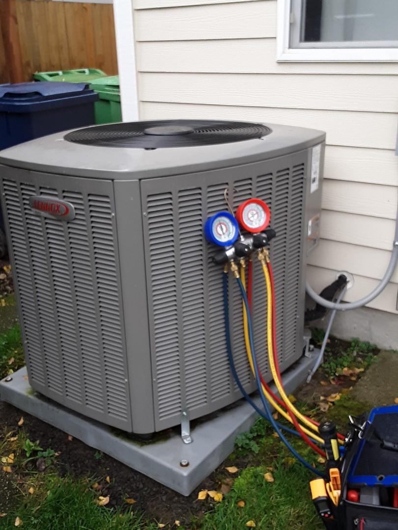 Everett, WA - Planned maintenance on a Lennox heat pump and gas furnace in Everett