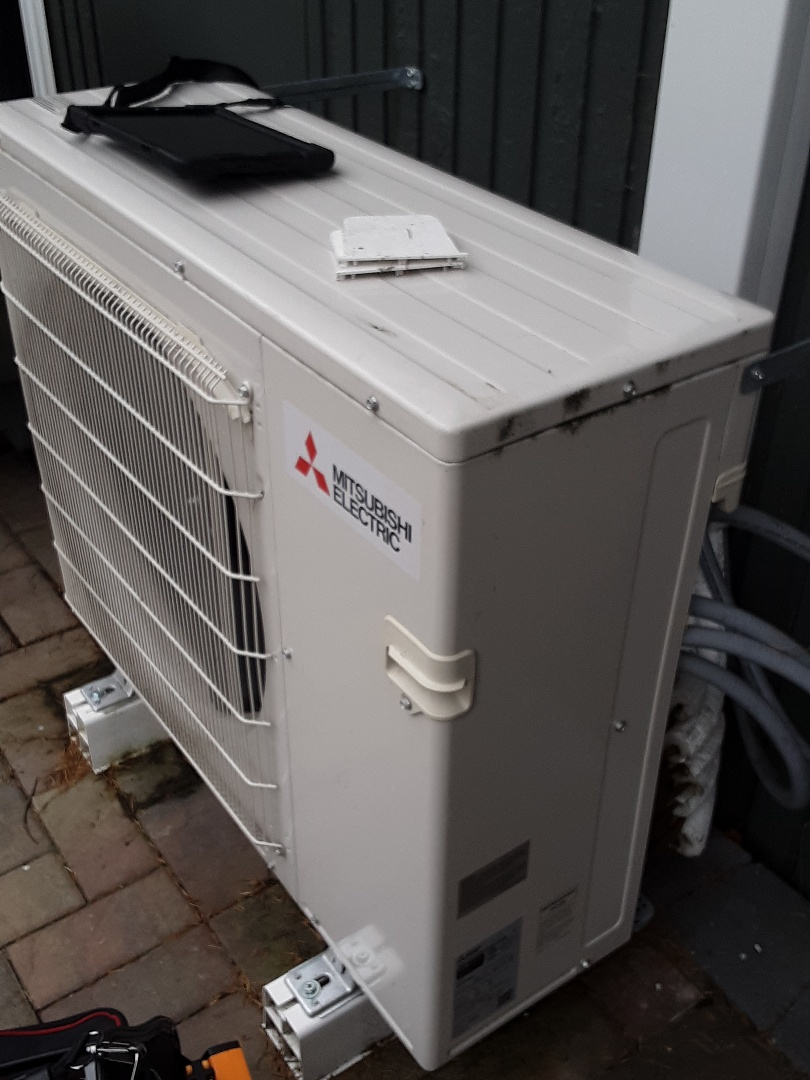 Edmonds, WA - Maintenance on a Mitsubishi ductless heat pump system in Edmonds