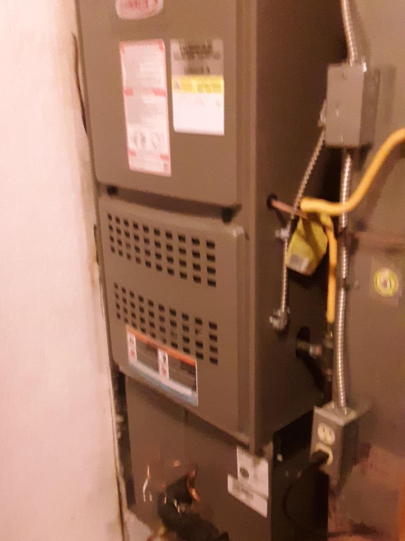 Lynnwood, WA - Maintenance on a Lennox gas furnace in Brier