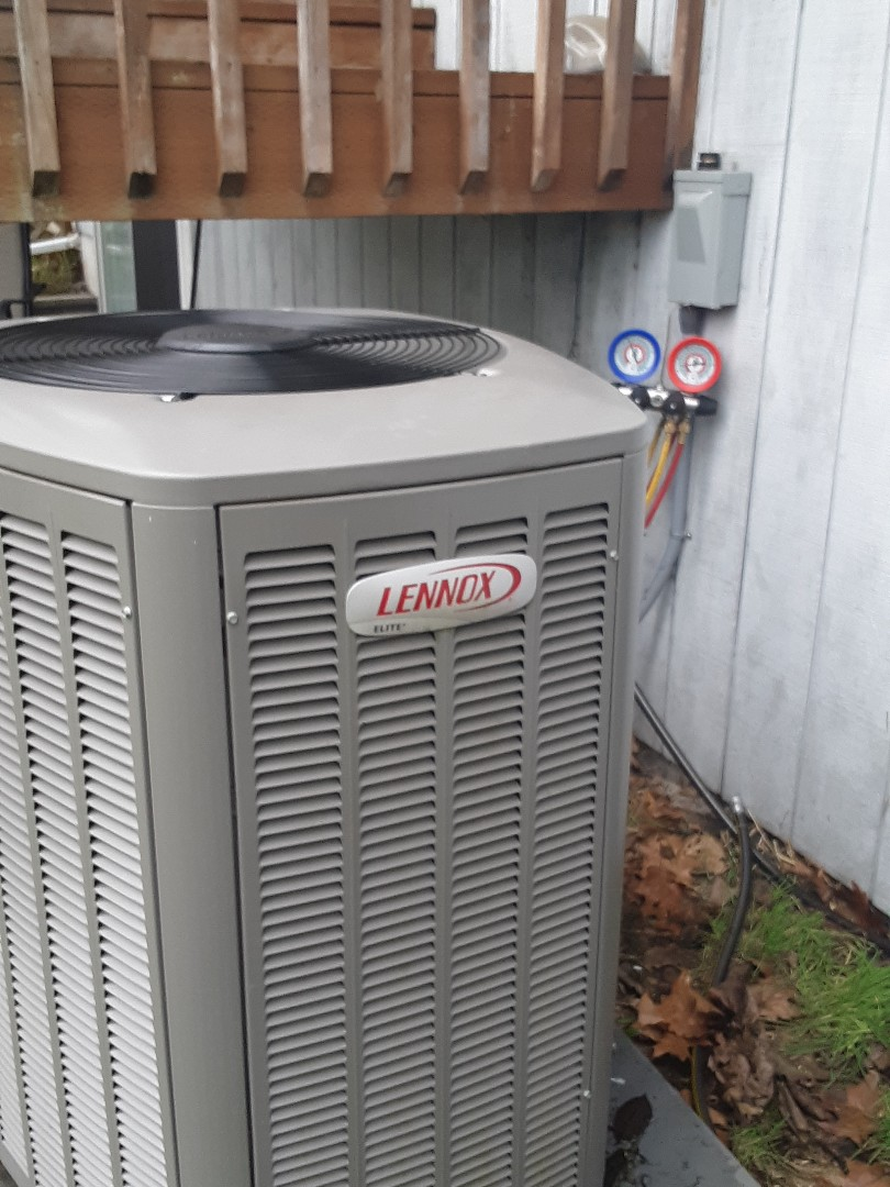 Bothell, WA - Tune-up on the Lennox heat pump system in Bothell