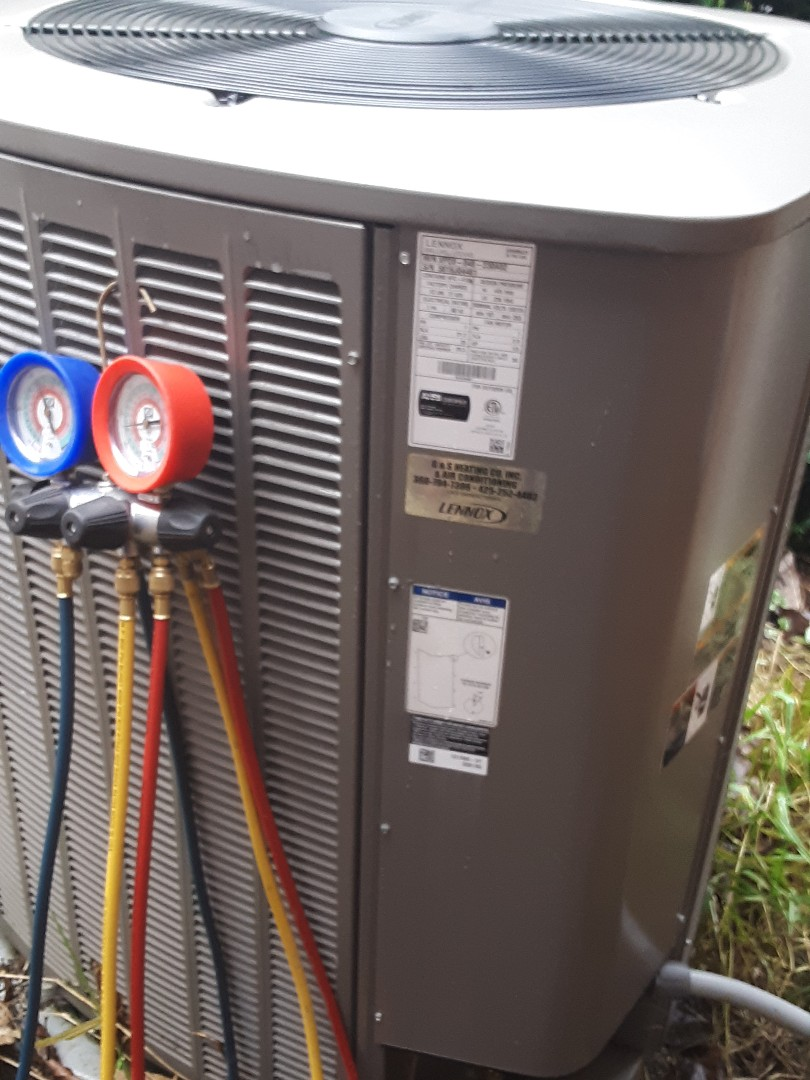 Bothell, WA - Planned maintenance on a Lennox heatpump system in Bothell