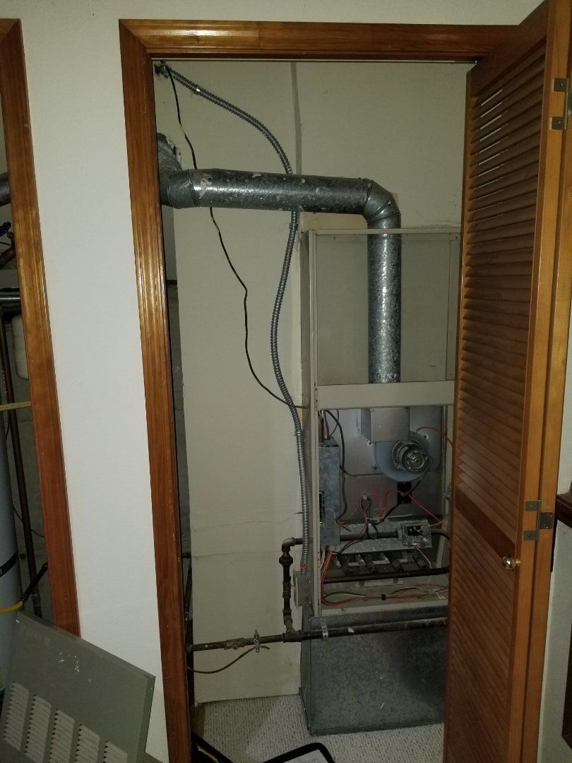 Marysville, WA - Providing an estimate to install a Carrier furnace in Marysville.