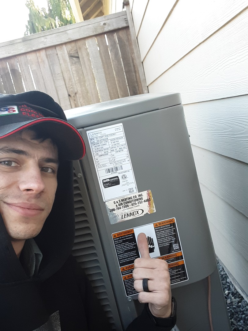 Bothell, WA - Performed routine planned maintenance on a Bryant gas furnace and Lennox heat pump system in Bothell