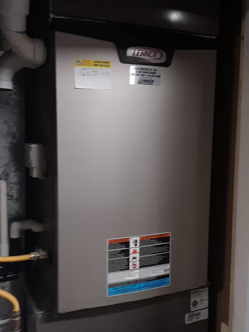 Bothell, WA - Performed routine planned maintenance on a Lennox gas furnace in Lynnwood