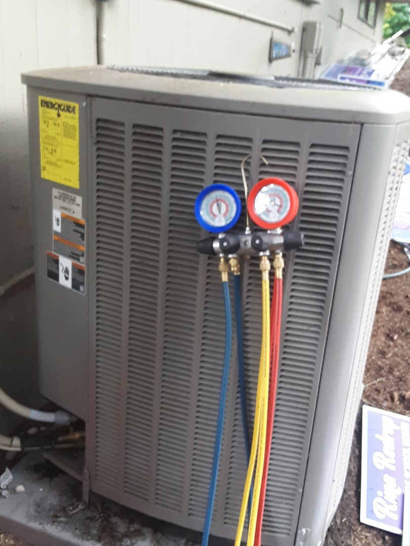 Brier, WA - Performed routine planned maintenance on a Lennox heatpump system in Lynnwood