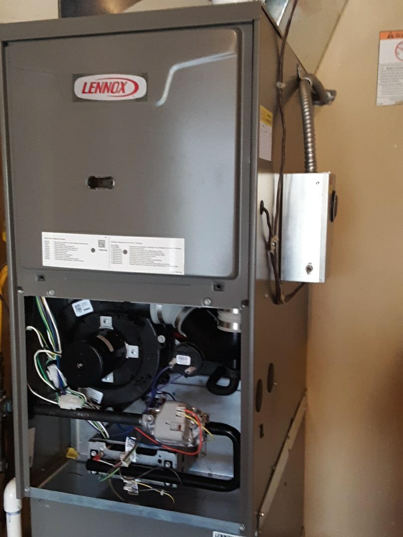 Shoreline, WA - Diagnostics on a Lennox gas furnace in shoreline