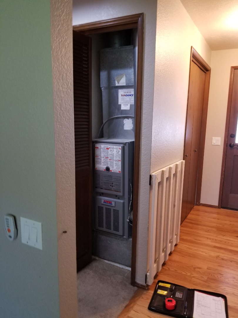 Bothell, WA - Providing an estimate to install a Carrier air conditioning system in Bothell.