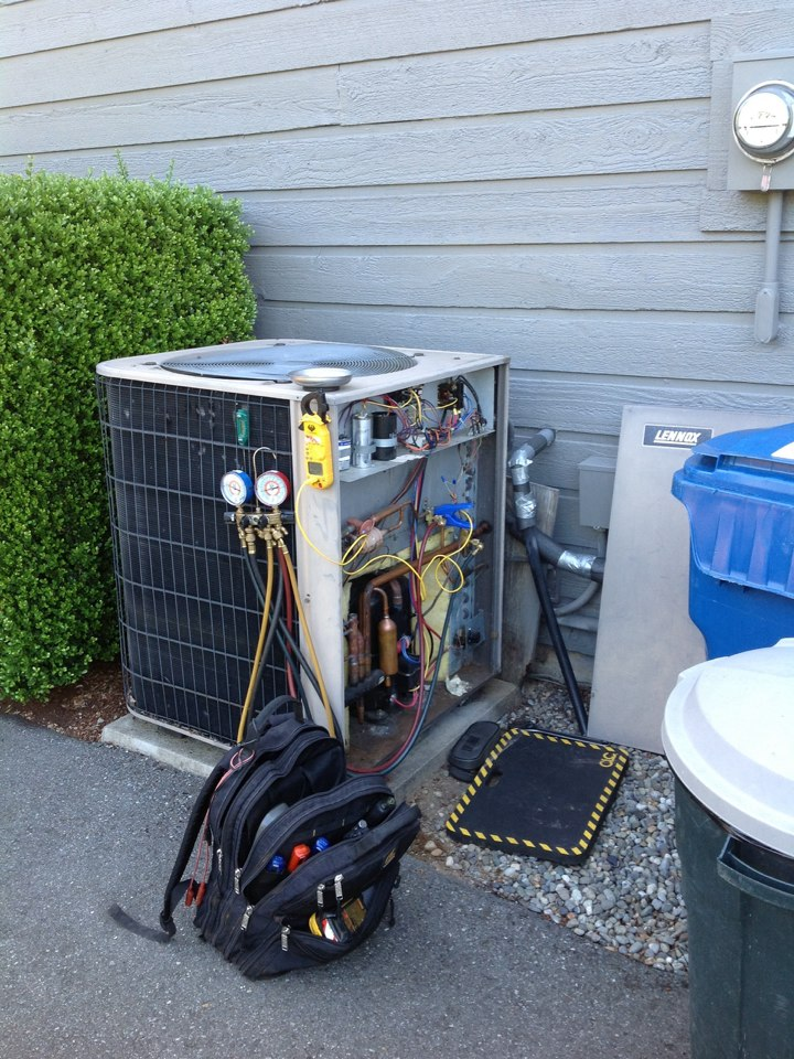 Monroe, WA - Service and repair a Lennox heat pump with air conditioning in Monrore, Wa