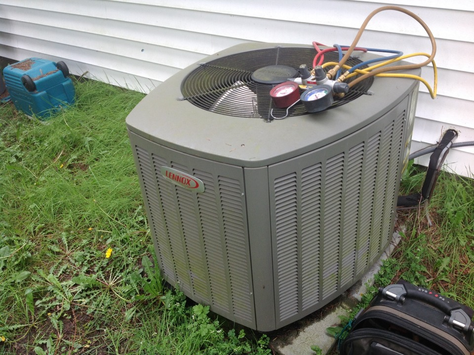 Monroe, WA - Lennox  heat pump and air conditioner repair monroe