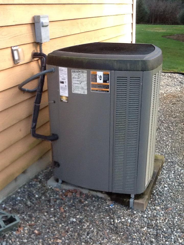 Monroe, WA - Maintenance on a Lennox heat pump/AC in Monroe