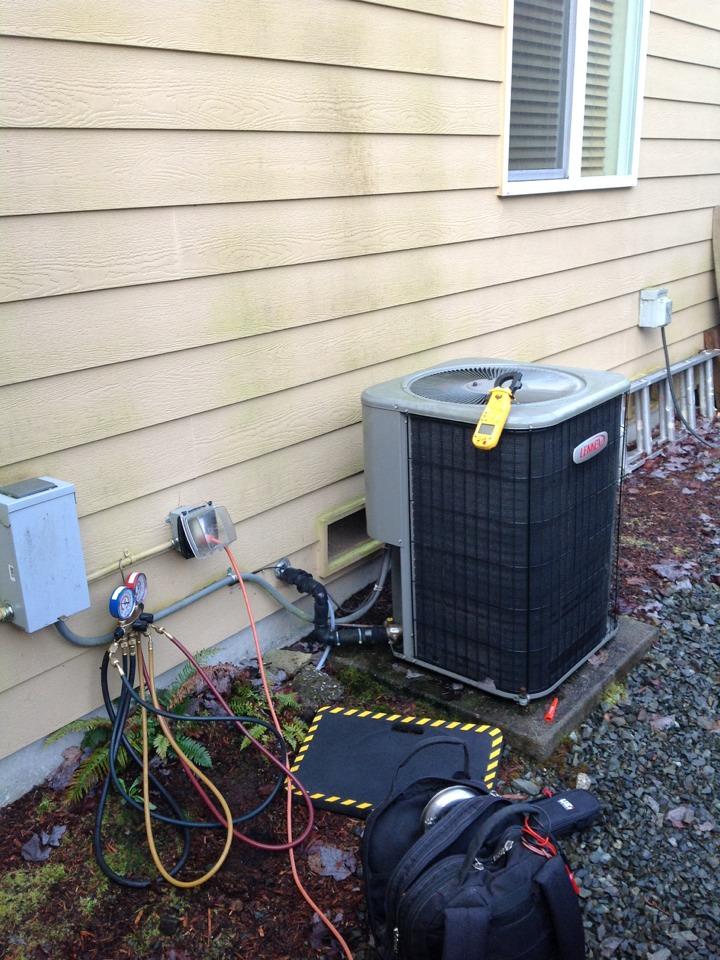 Monroe, WA - Service heat pump and air conditioner in Monroe,Wa
