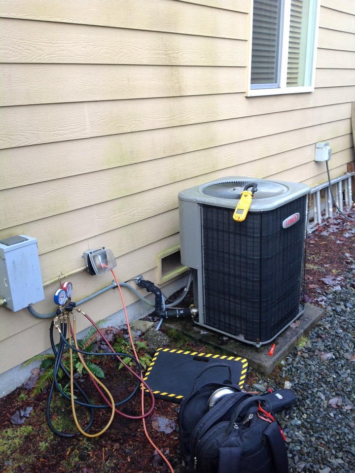 Monroe, WA - Service and repair Lennox heat pump system with air conditioning.  In Monroe,Wa