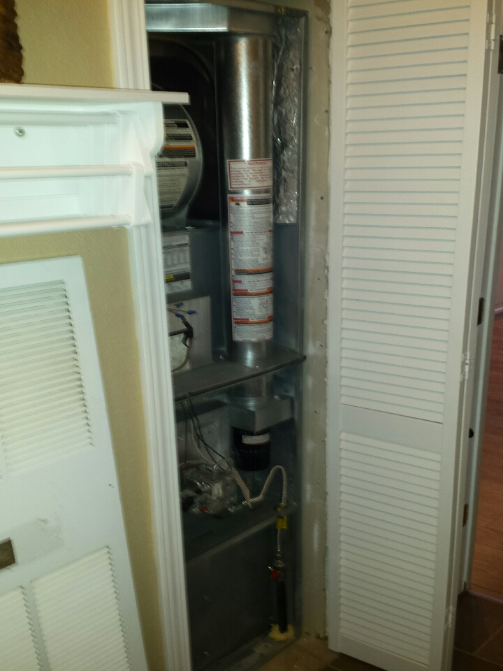 Mount Vernon, WA - Installing Lennox air conditioning in Mt Vernon.