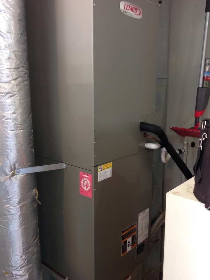Monroe, WA - Routine maintenance on a Lennox heat pump and air conditioning system. Monroe, WA.