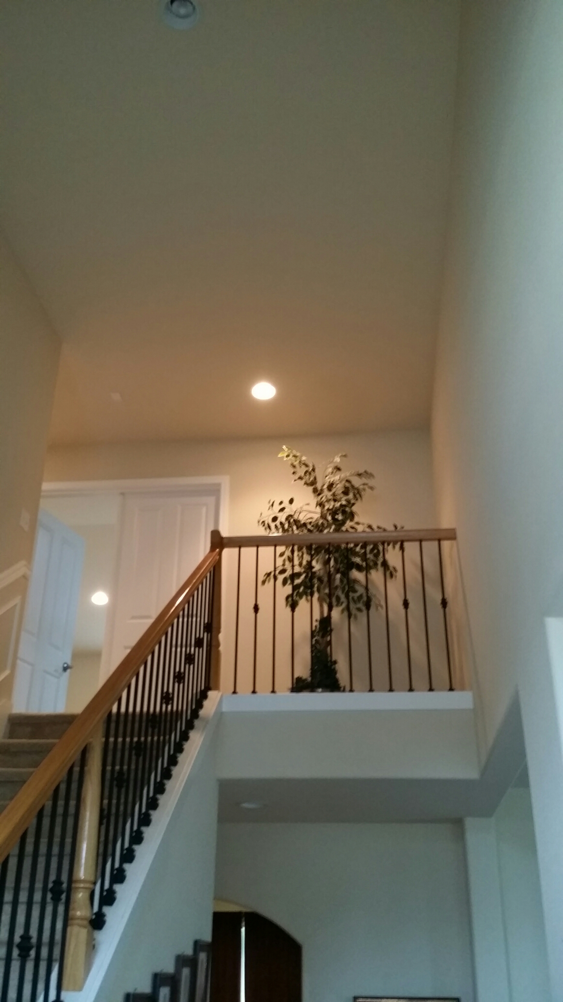 Kirkland, WA - Electrician. Electrical service work troubleshooting can lights not work. Lynnwood