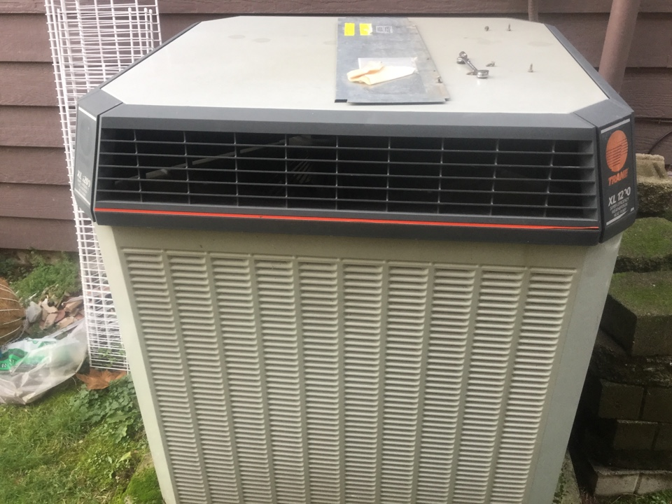 Redmond, WA - Carrie air conditioner repair Redmond