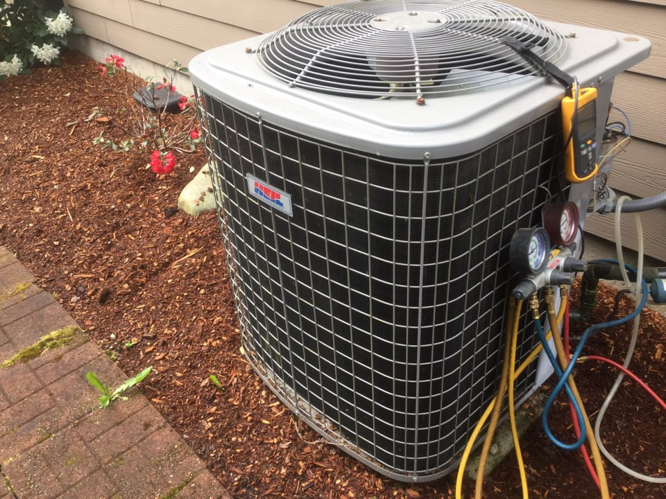 Bellevue, WA - Lennox air conditioning repair Bellevue