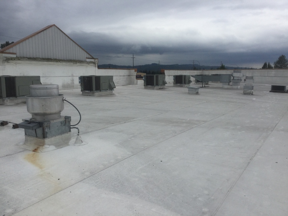 Monroe, WA - Trane commercial roof top unit filter changes