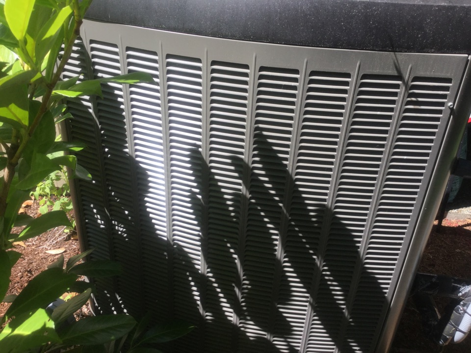 Redmond, WA - Lennox heat pump service Redmond