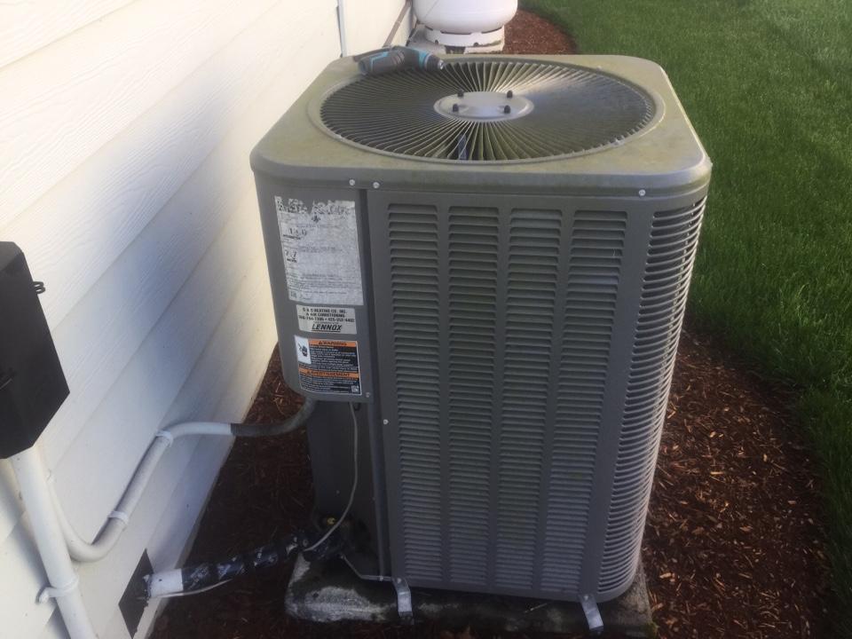 Monroe, WA - Lennox heat pump tune up Monroe