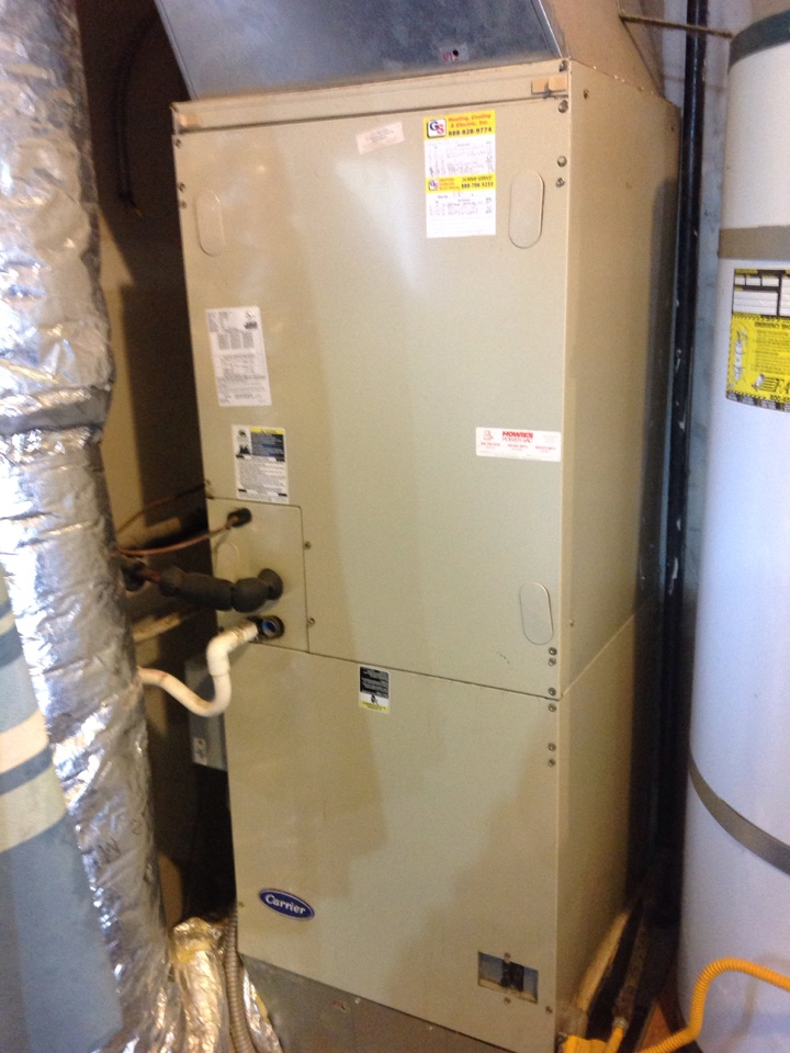 Monroe, WA - Performed regular bi-annual maintenance on a Carrier heat pump and air conditioning system. Monroe, WA.