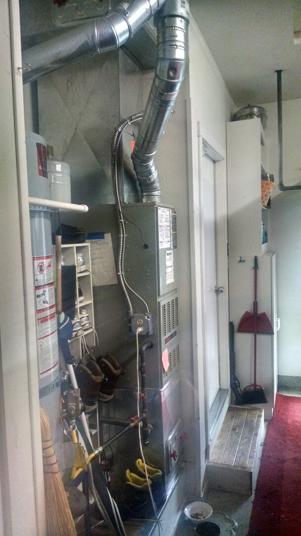 Bothell, WA - Installation of Lennox high efficiency furnace in Mukilteo