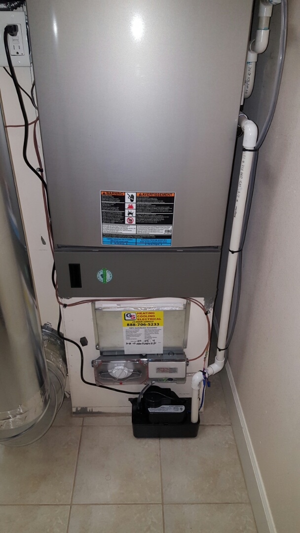 Lake Stevens, WA - Finished installing hybrid heat pump system Lennox xp25 heat pump with 98% Lennox furnace for customers in Arlington today happy to have a more efficient heating system for their wonderful home