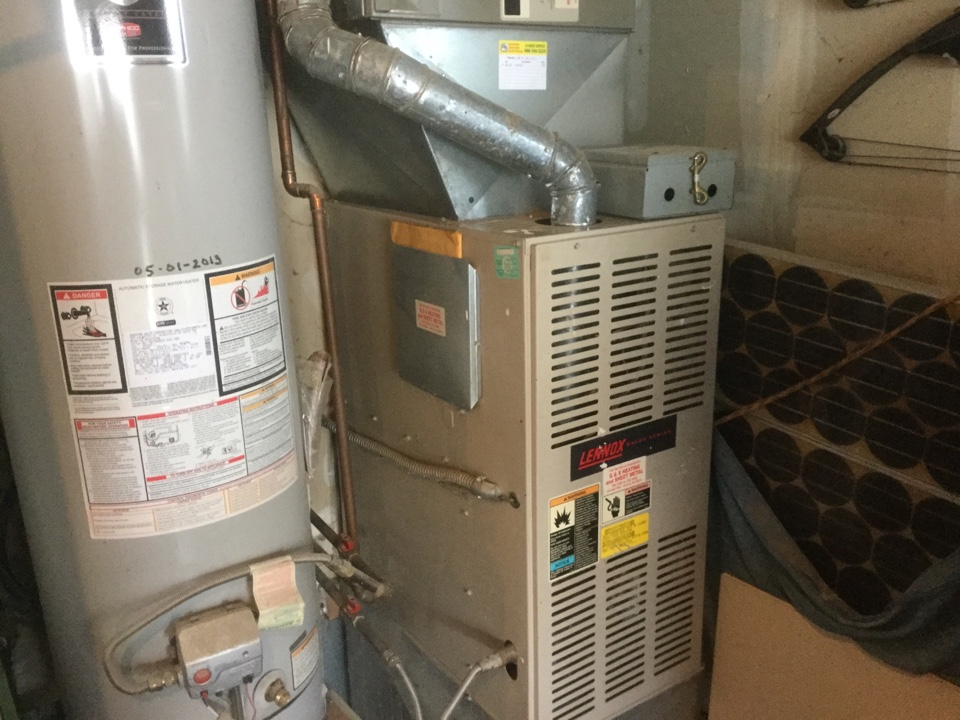 Performing a service call and a Precision Tune Up on a Lennox gas furnace in Monroe, WA