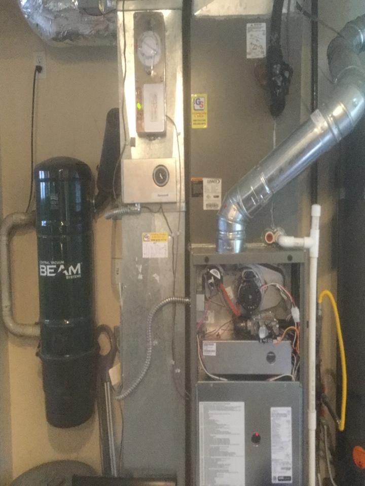 Bellevue, WA - Lennox gas furnace service Bellevue