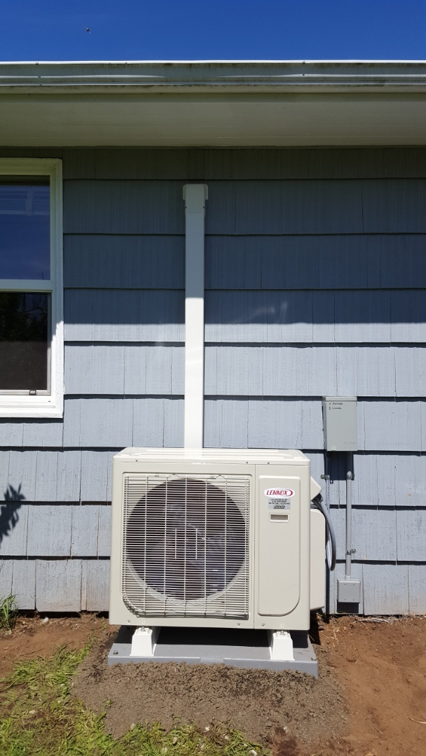 Lake Stevens, WA - Finished installing doublehead Lennox mini split system for a customer in Everett today happy to have more efficient heating and cooling system in home