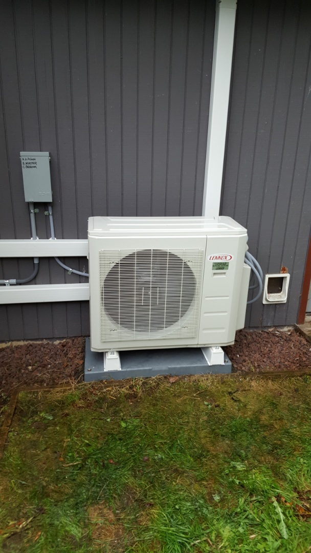 Lake Stevens, WA - Installed multi head Lennox mini split ductless system for customers in Lynnwood today happy to have more efficient heating and cooling for their home