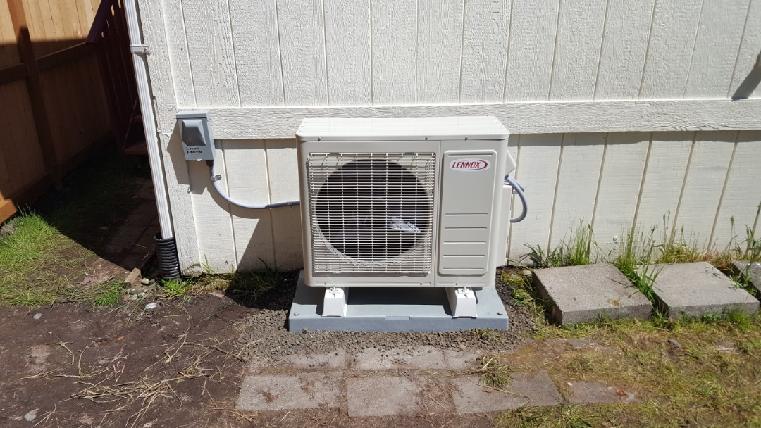 Lake Stevens, WA - Finished installing Lennox mini split system for customer in Arlington so happy to have a more efficient heating and cooling system