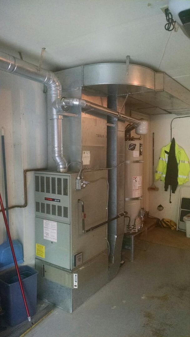 Mukilteo, WA - Installation of Lennox high efficiency furnace in Mukilteo