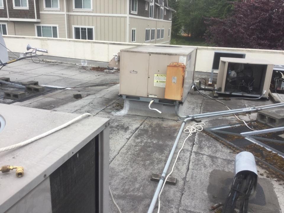 Everett, WA - General Electric rooftop heat pump diagnostics Everett