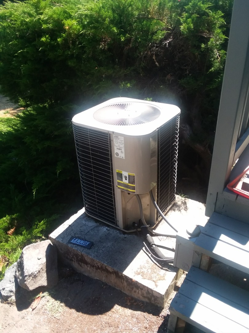 Marysville, WA - Installation of Lennox Heat Pump in Marysville