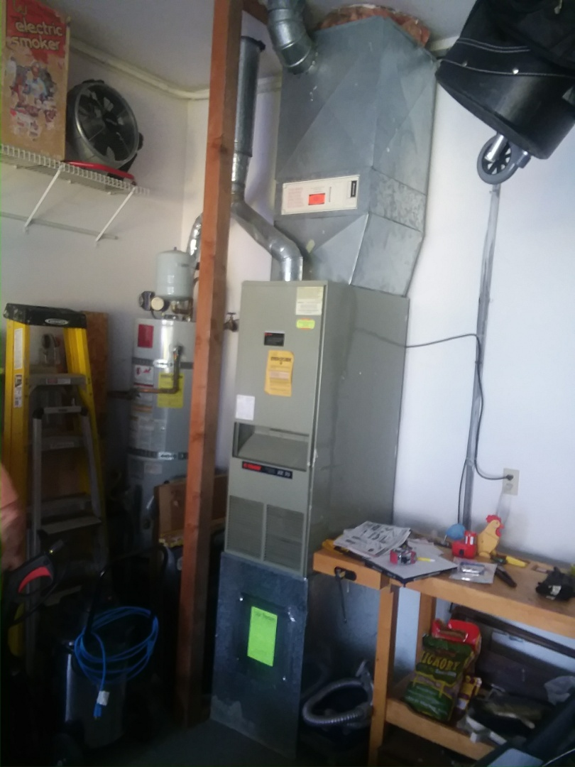 Lynnwood, WA - Installation of Lennox Heat Pump in Lynnwood