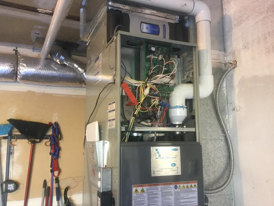 Everett, WA - Replacing a blower motor in a Lennox gas furnace in Snohomish, WA
