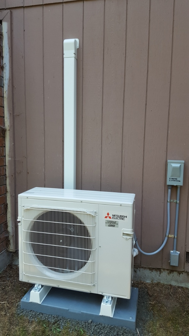 Lake Stevens, WA - Just finished installing a multi head Mitsubishi mini split ductless heat pump system for a customer in Mill Creek today customer happy to have more efficient heating and cooling for their home